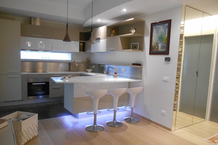 Soluzioni arredamento casa piccola realizzazioni restelli for Arredamento fai da te casa