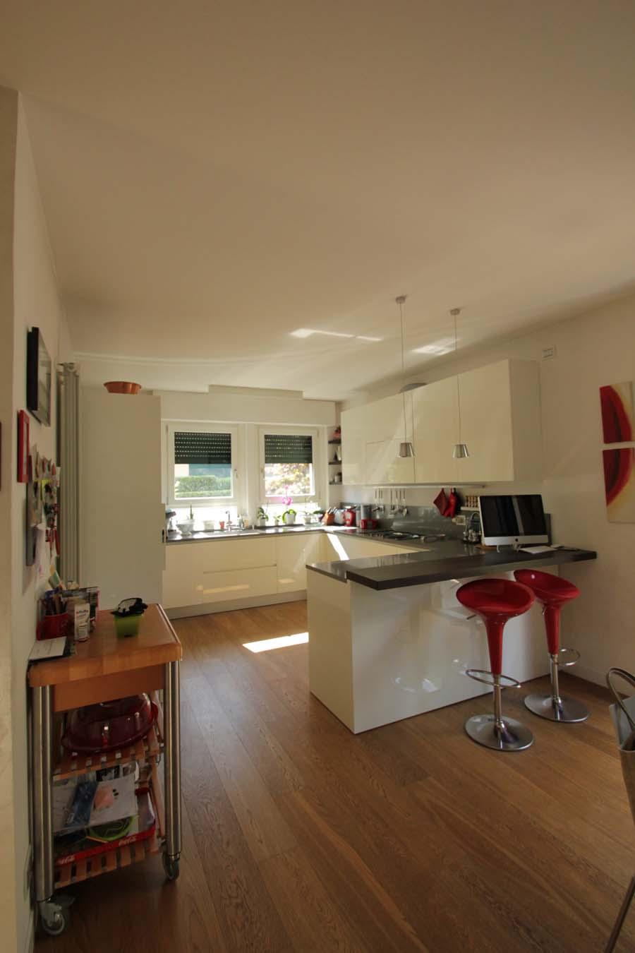Consigli e idee come arredare una casa su due piani restelli for Consigli arredo casa
