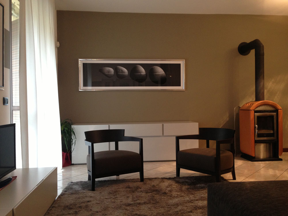 Arredamento soggiorno moderno con stufa - Restelli Arredamenti