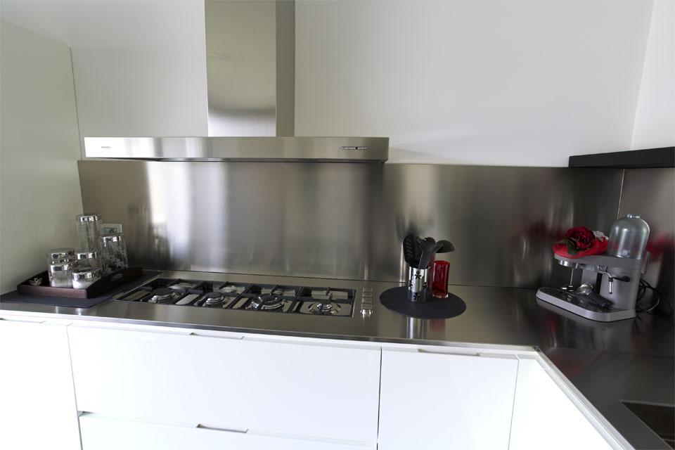 Angolo Cottura Piccolo : Idee per arredare piccolo soggiorno con angolo cottura restelli